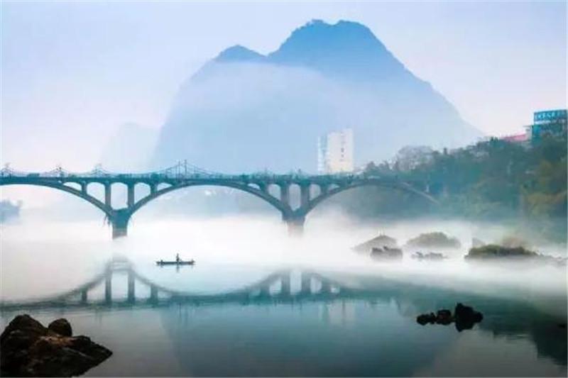 壮古佬风景区位于宜州市北部刘三姐乡的马山塘屯,原生态环境保护良好